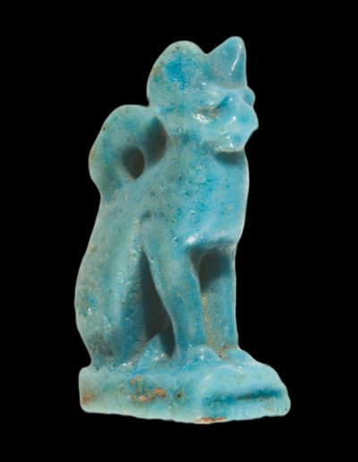 Amuleto raffigurante un gatto in faience